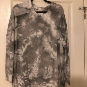 American Eagle Black and Gray Tye-Dye Sweater